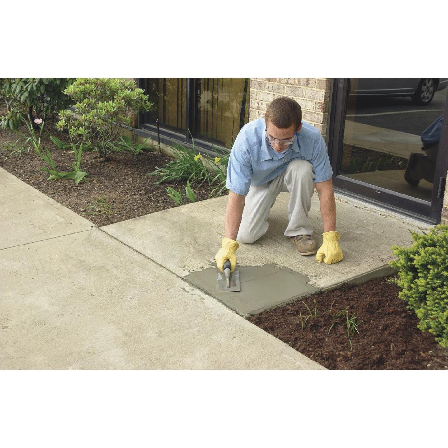 Quikrete 10 Lb Ready-to-Use, Gray Concrete Patch Image 2